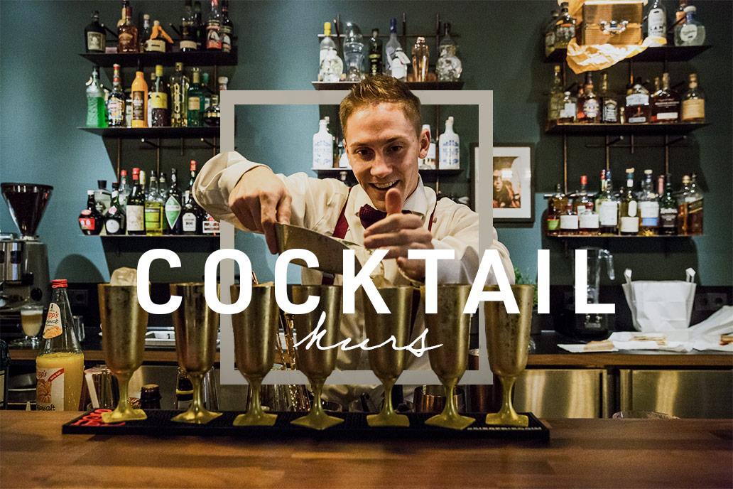 Fabi gibt eine Cocktailschulung